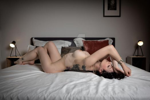 naked lady by AlissaNoir