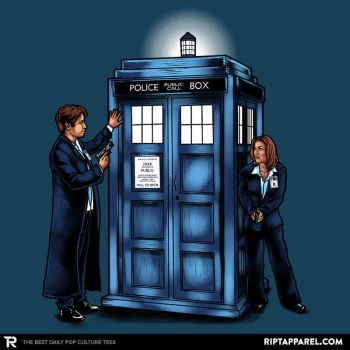 The Agents have the Phone Box - Doctor Who/X-files by sugarpoultry