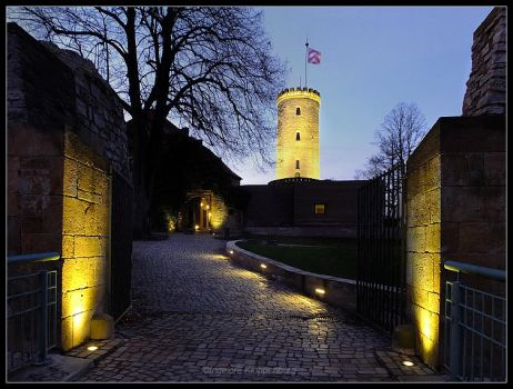 twilight at the Sparrenburg castle by Ingelore