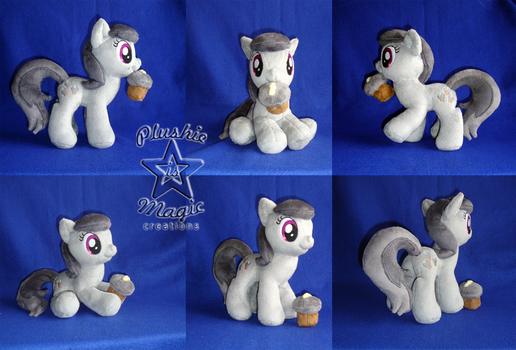 COMMISSION: Charcoal Bakes 10 inches plushie by SunflowerTiger