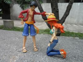 Luffy gives Nami his hat (version 1) by ThomasAnime