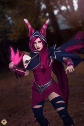 Xayah - League of Legends cospaly I. by EnjiNight