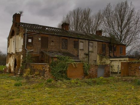 Abandoned house in East Manchester by Spinneyhead