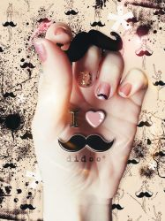 I heart Mustache by didoo0501