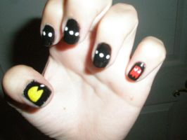Pac-Man nails by Happylod3