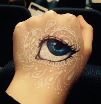 I know her eyes like the back of my hand by Serra-B-The-Protege