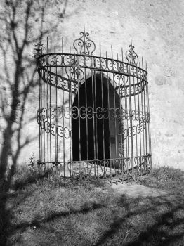 Door in a cage by Pixelmenteur