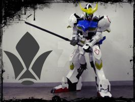 ASW-G8-8 Gundam Barbatos 4th Form Cosplay by baakaa10