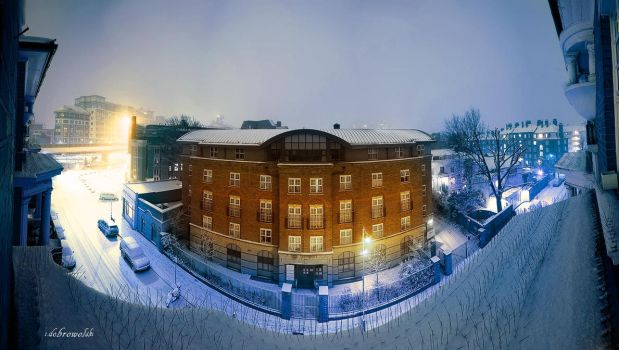 Snowy London by hotonpictures