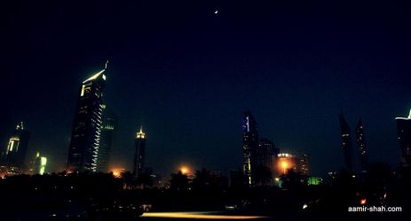 Dubai - Emirates Tower by aash