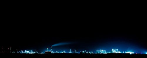 oil refinery at night by tienod