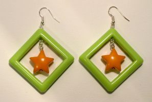 Pop earrings_green and orange by serenainwonderland