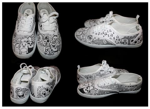 my doodle shoes by MunnbeL