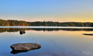 August evening by the lake by Pajunen