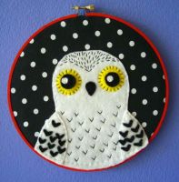 Harry Potter Hedwig Embroidery Hoop by iggystarpup