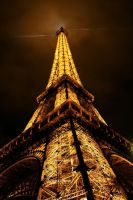 Eiffel Tower by modernb