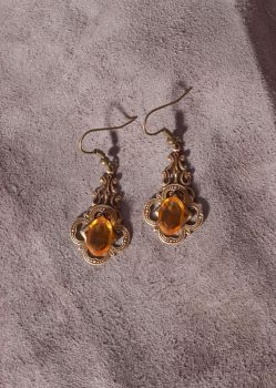 Golden afternoon earrings by ibukij