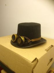Steampunk goggles and hat by sfishffrog