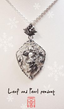 Hidden Treasure, the Leaf and Pearl pendant. by somk