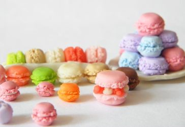 Polymer clay macarons by Pinkanea