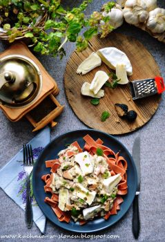 Black truffle and camembert pasta by SunnySpring