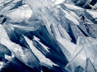 layer's of ice by Nipntuck3