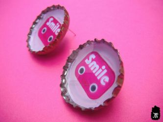 Smile Robot Bottle Cap Earrings by TheFuzzyPineapple