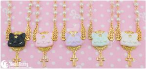Dreamy star kitten Necklaces by CuteMoonbunny
