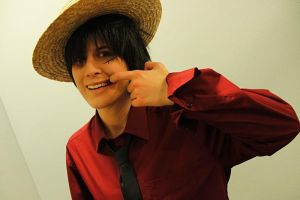 Luffy Strong World Cosplay One Piece by Lucy-chan90