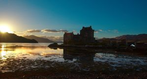 Eilean Donan Castle, Scotland by younghappy