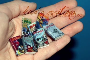 Harry Potter miniature books by KiraSTFD