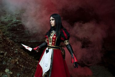 Alice:Madness Returns_Here comes the queen by SoranoSuzu