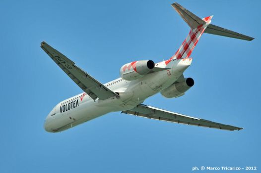 Boeing 717 fly-by by mc205veltro