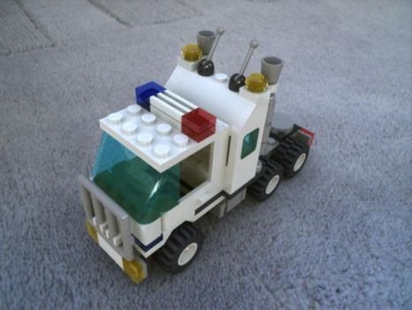 Lego Police Truck by MrElusive777