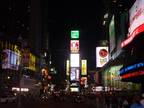 Times Square 12 by raindroppe