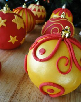12 Days of Christmas :: 6 Bauble Cakes by cakecrumbs