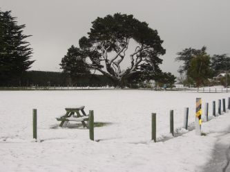 Late snow by bergamont27