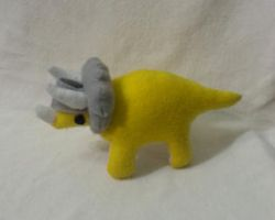 Triceratops Warrior... the Plushie! by pheonix548