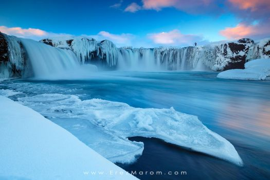 Shooting Godafoss by erezmarom