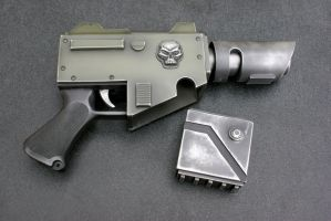 Warhammer 40K pistol and mag by Matsucorp