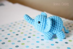 Little Elephant - Kawaii Amigurumi plush by BramaCrochet
