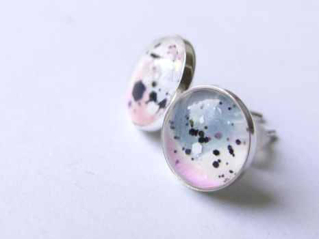 Silver stud earrings with hand painted glass by OkeMani