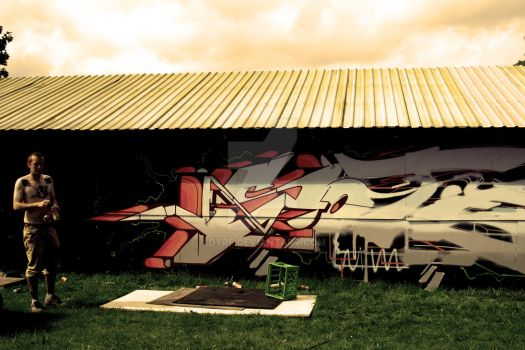 Graffiti in the making by DyRF