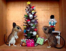 Felted Mouse Christmas