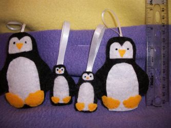 Holiday Penguin Plushie Ornaments by grandmoonma