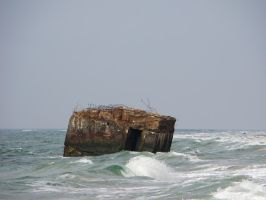 World's End 001 Ruins in Stormy Seas by LuDa-Stock