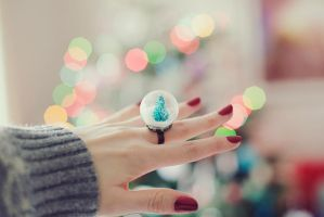 little snow globe by kittysyellowjacket