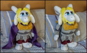 Kingly Asgore Plush by WispyChipmunk