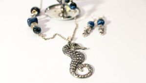 Deep Blue Seahorse by Squeakboutique