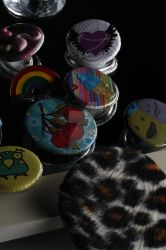 freaky buttons by lyenia